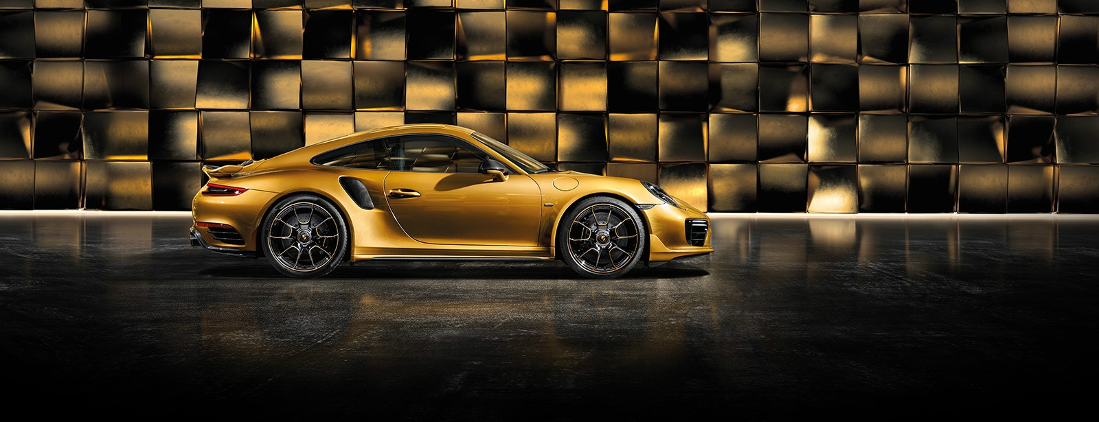Porsche - 911 Turbo S Exclusive Series -