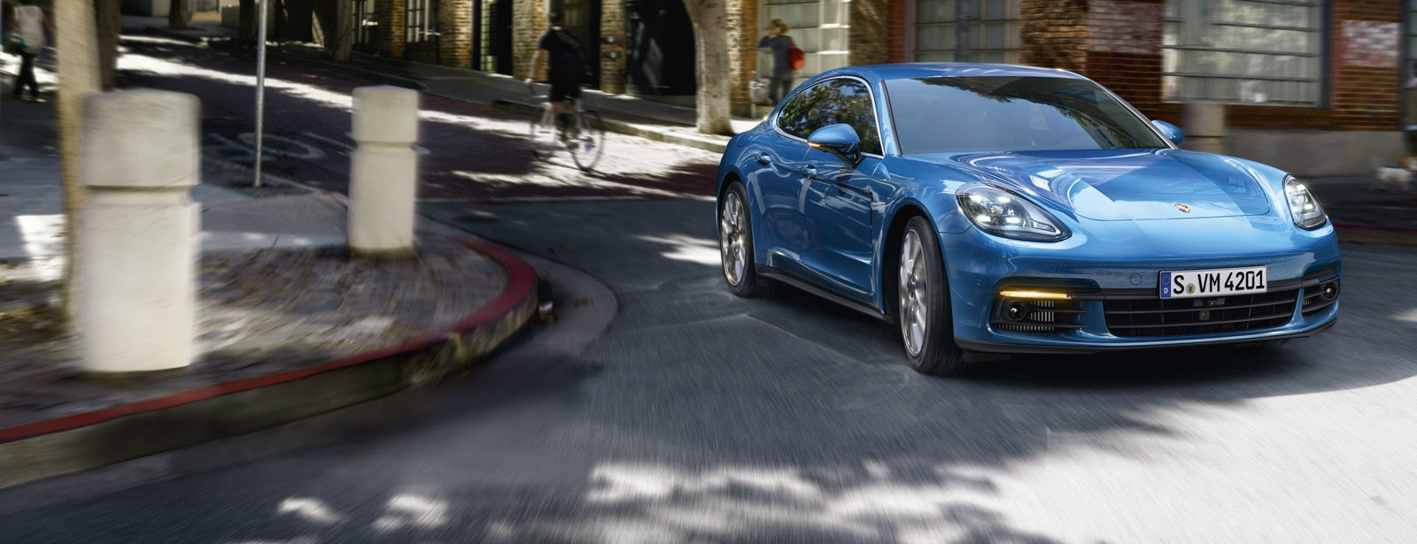 Porsche - Panamera 4S -